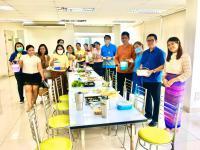แต่งผ้าไทยกินมื้อเที่ยงเลี่ยงถุงพลาสติก__0.jpg