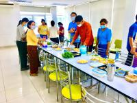 แต่งผ้าไทยกินมื้อเที่ยงเลี่ยงถุงพลาสติก__5.jpg