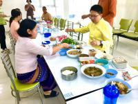 แต่งผ้าไทยกินมื้อเที่ยงเลี่ยงถุงพลาสติก__10.jpg